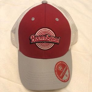 Oklahoma Sooners hat.
